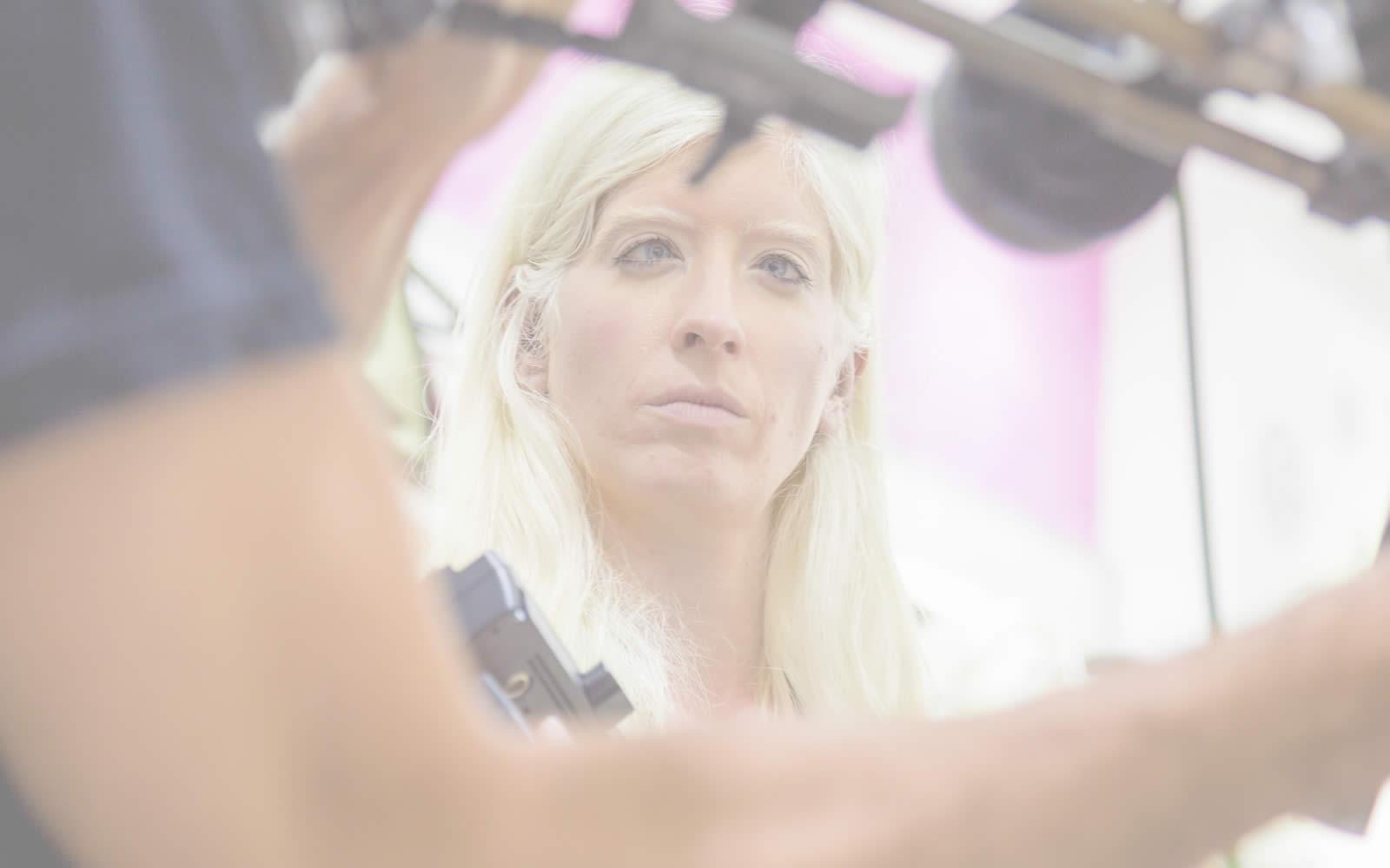 'Patty Bonet dirige un corto que muestra el día a día de las personas con albinismo', en CEU